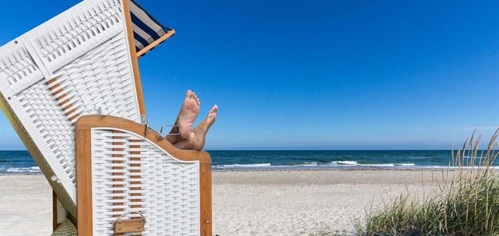 texel-vakantie-verhuur-lounchen-aan-het-strand